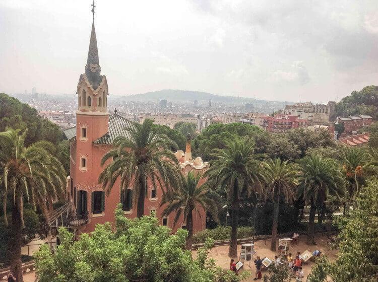 Вид с парка Гуэля - фото