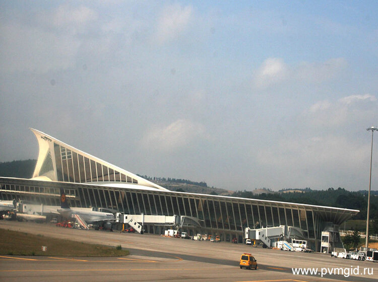 Аэропорт в Бильбао - фото