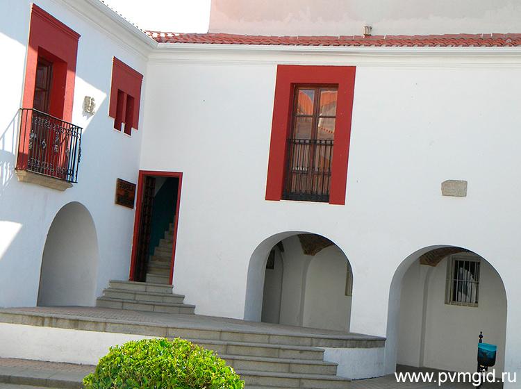 Дом в Касересе - фото