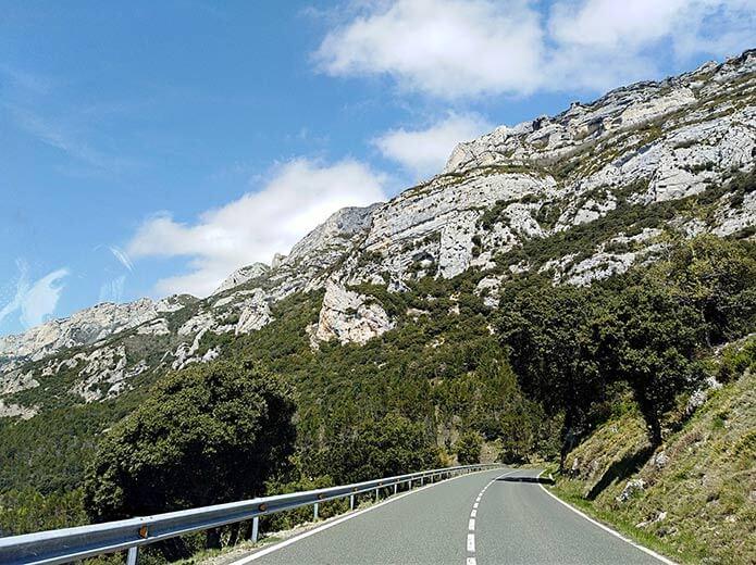 Горная дорога в Риохе - фото