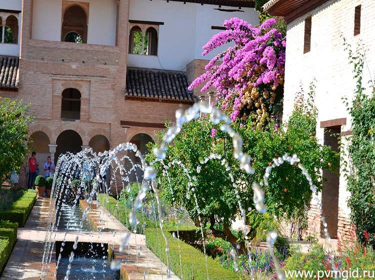Дворец_Альгамбра_в_Гранаде_3