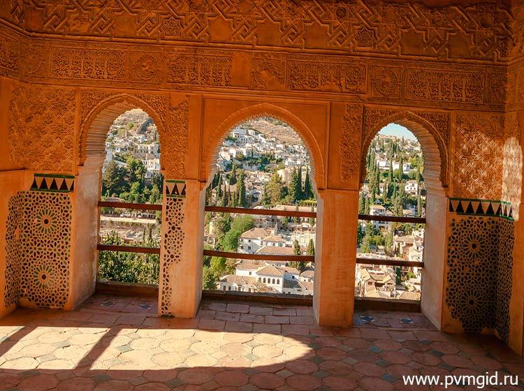 Дворец_Альгамбра_в_Гранаде_4