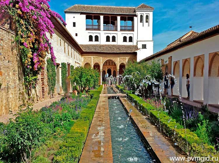 Дворец_Альгамбра_в_Гранаде_5
