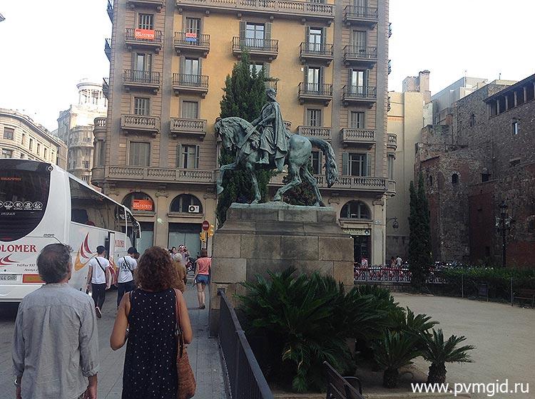Готический_квартал_в_Барселоне_2