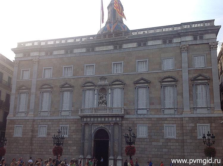 Готический_квартал_в_Барселоне_6