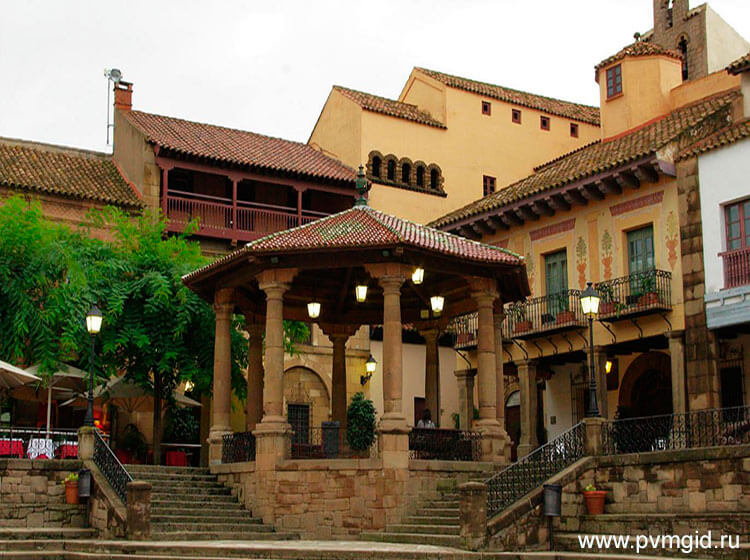 Испанская_деревня_в_Барселоне_1