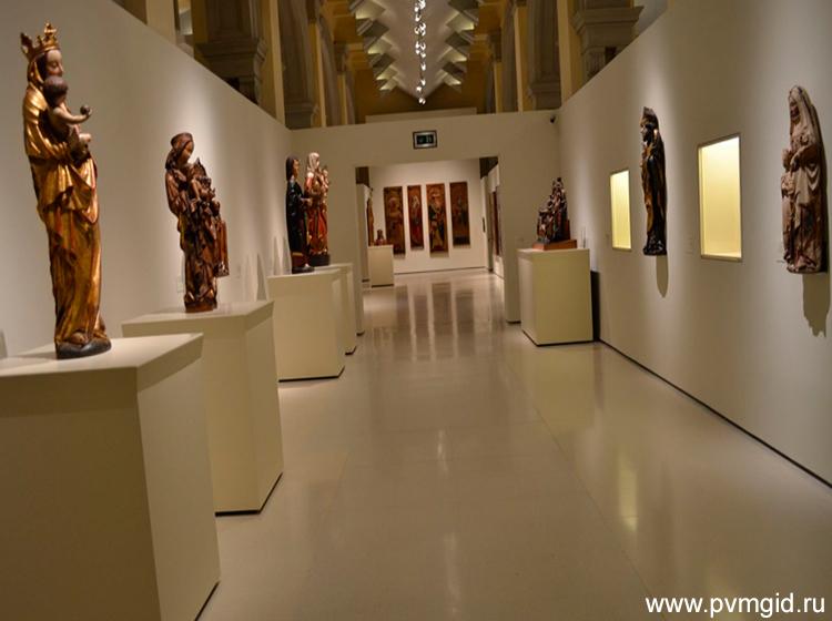 Выставочный зал - фото