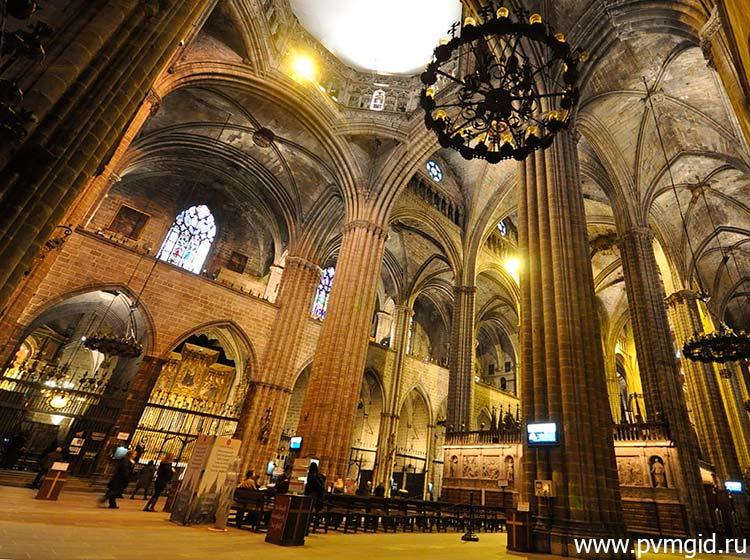 Внутри собора - фото