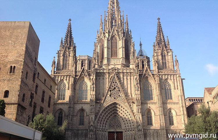Собор Святого Креста и Святой Евлалии - фото