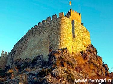 Замок Баньерес - фото