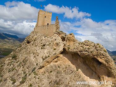 Замок Сакс - фото