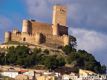 Замок Бьяр - фото