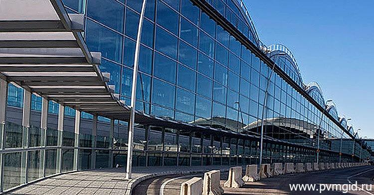 Здание аэропорта Аликанте - фото
