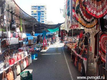 Блошиный рынок - фото