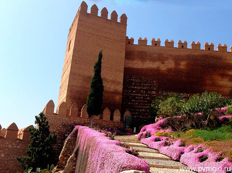 Крепость в Альмерии - фото