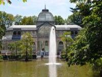 Хрустальный дворец в парке Ретиро