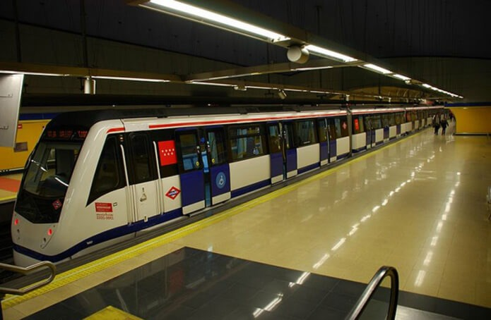 Станция метро в аэропорту Мадрида