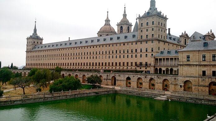 Королевский монастырь Эскориал