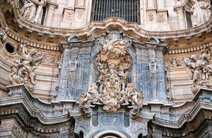 Фасад кафедрального собора в Мурсии