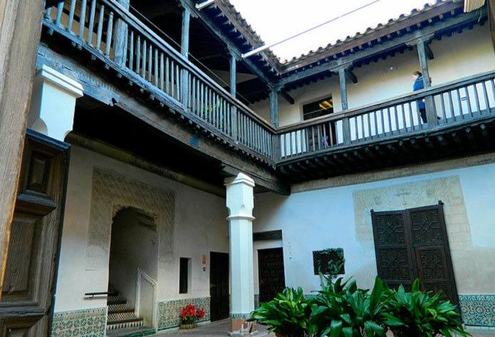 Внутренний двор музея Эль Греко