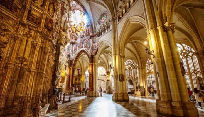 Внутреннее убранство Толедского собора