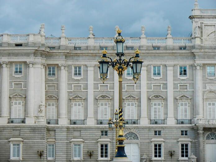 Фасад королевского дворца (Мадрид) - фото