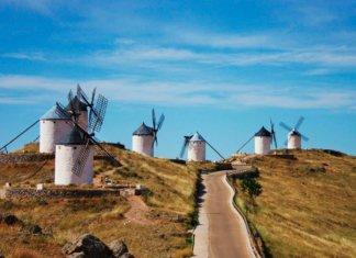 Город Консуэгра в Испании