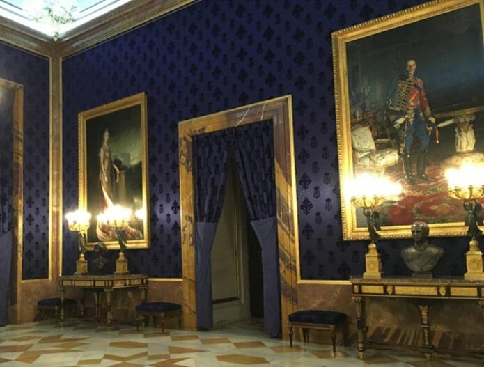 Одна из комнат королевского дворца