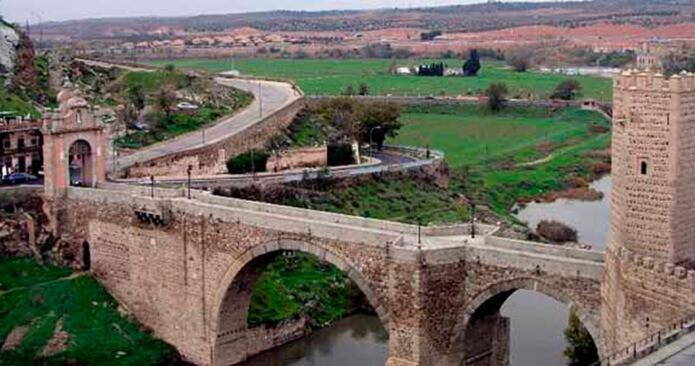 Мост Алькантра в Толедо