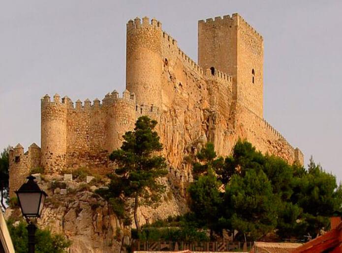 ЗамокАльманса рядом с Альбасете