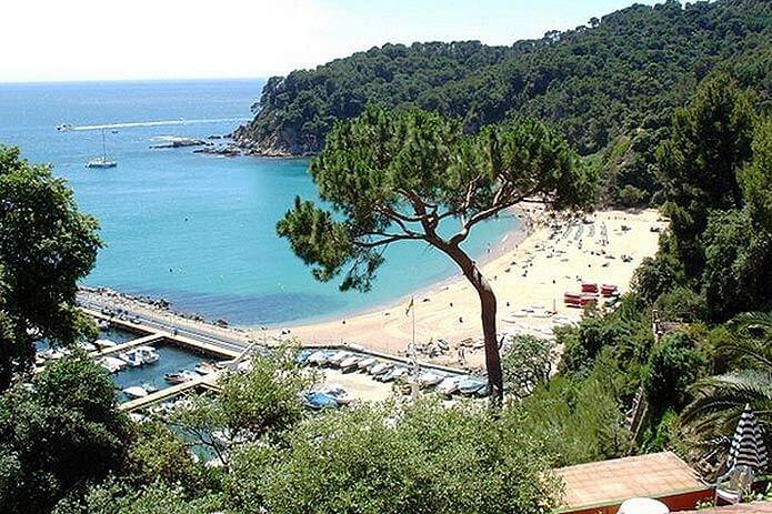 Пляж Кала-Каньельес - фото