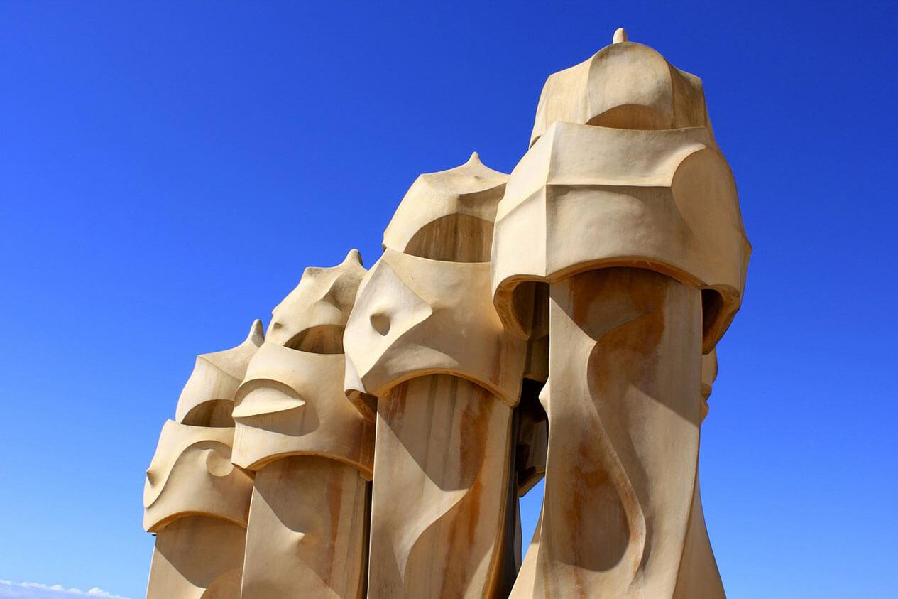 Дом Мила в Барселоне фото и описание интересные факты