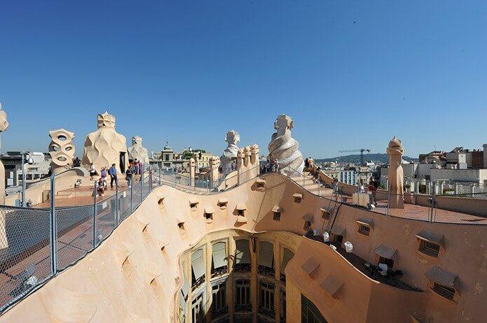 Смотровая площадкана крыше дома Мила - фото