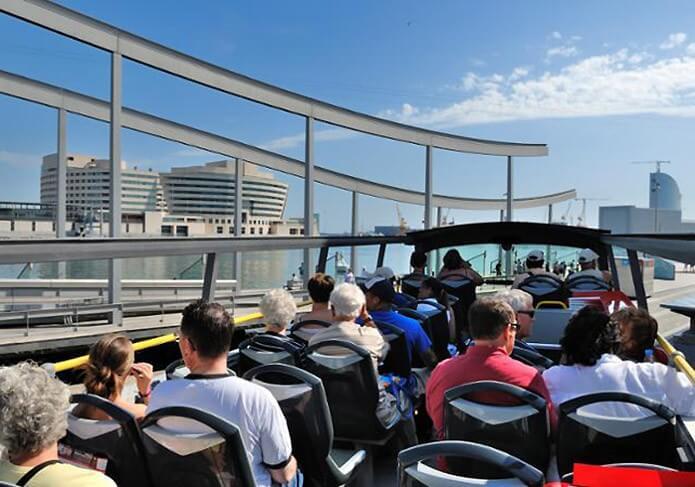 Вид на пристань с туристического автобуса - фото