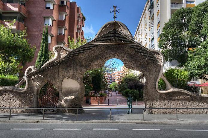 Ворота Миралес - фото