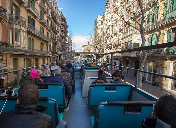 Второй этаж экскурсионного автобуса Бас Туристик
