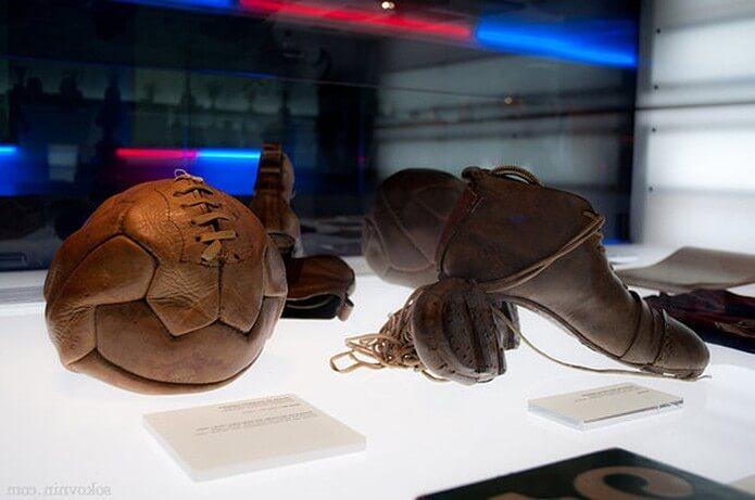 Экспонаты музея Барселоны - фото