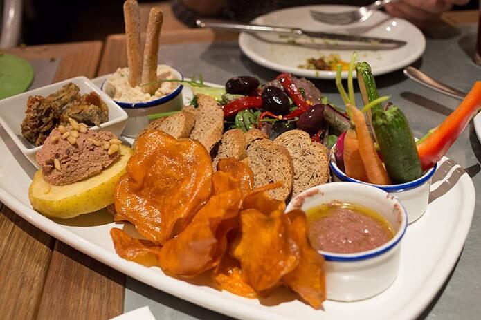Обед в ресторане Барселоны