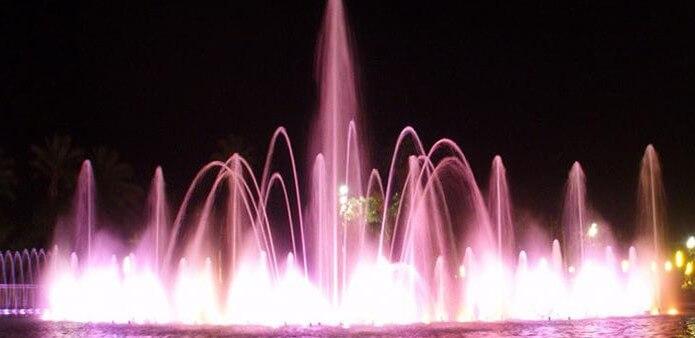 Танцующий фонтан Салоу - фото