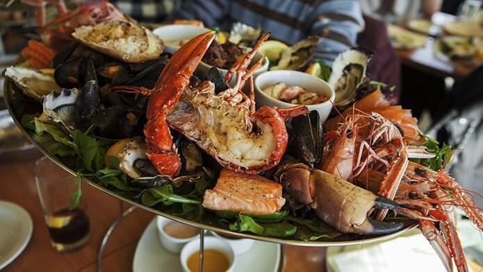 Ресторан с морепродуктами - фото