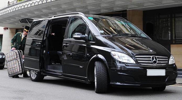 Трансфер из аэропорта Барселоны в Салоу: как заказать такси недорого