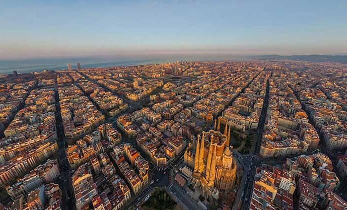 Барселона на вертолете с высоты птичьего полета - фото