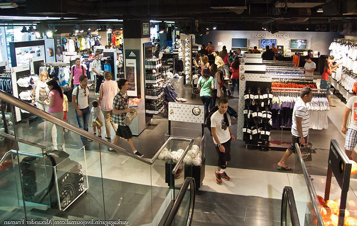 Магазин на Сантьяго Бернабеу - фото