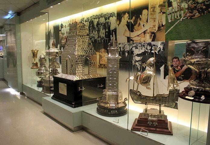 Выставка трофеев Реал Мадрид - фото