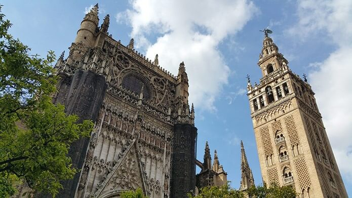 Башня Хиральда в Севилье - фото