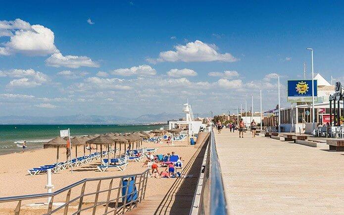 Пляж Ла Мата в Торревьехе - фото