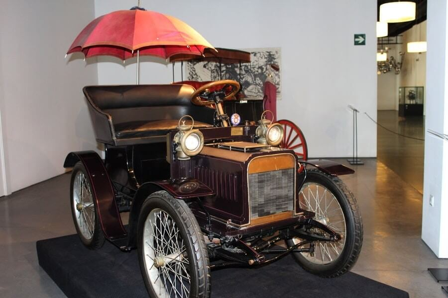 Музей автомобилей в Малаге - фото