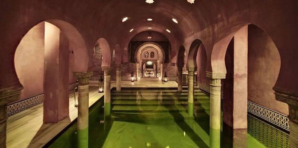 Мавританские (арабские) бани в Гранаде - фото