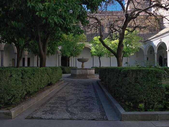 Картезианский монастырь в Гранаде - фото