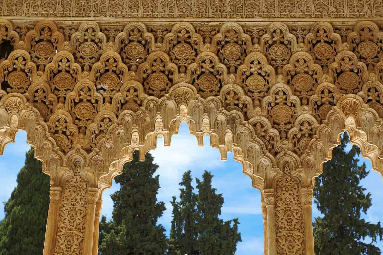 Стрельчатые арки Альгамбры - фото